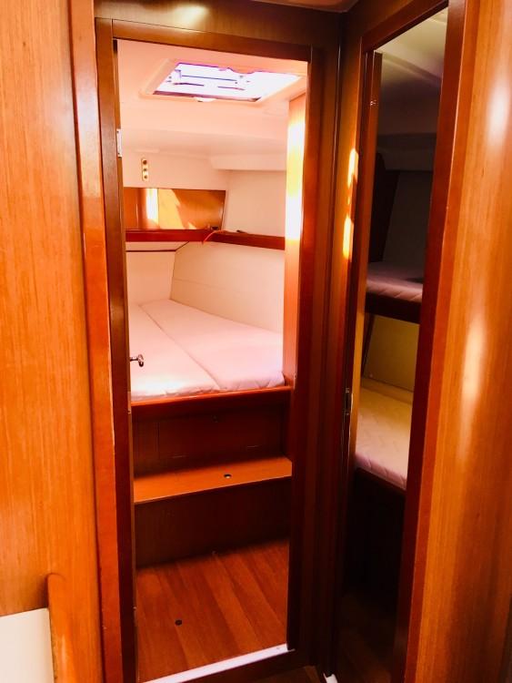 Boat rental Bénéteau Oceanis 43 in Lefkada on Samboat