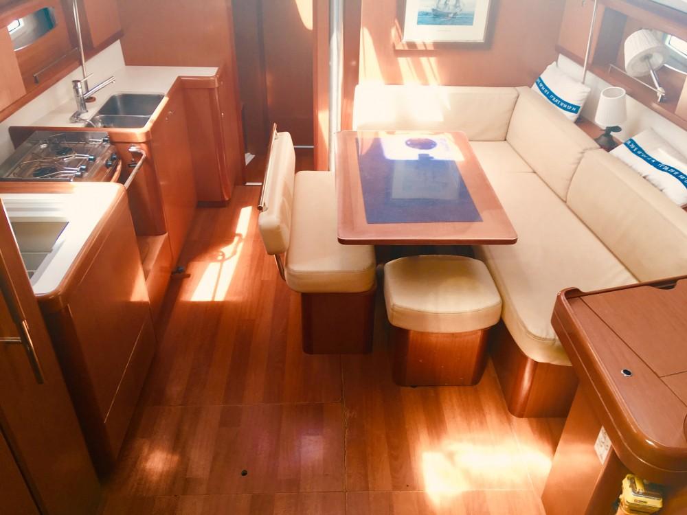 Rental yacht Lefkada - Bénéteau Oceanis 43 on SamBoat