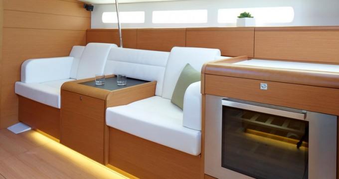 Boat rental Jeanneau Sun Odyssey 509 in Palma de Mallorca on Samboat