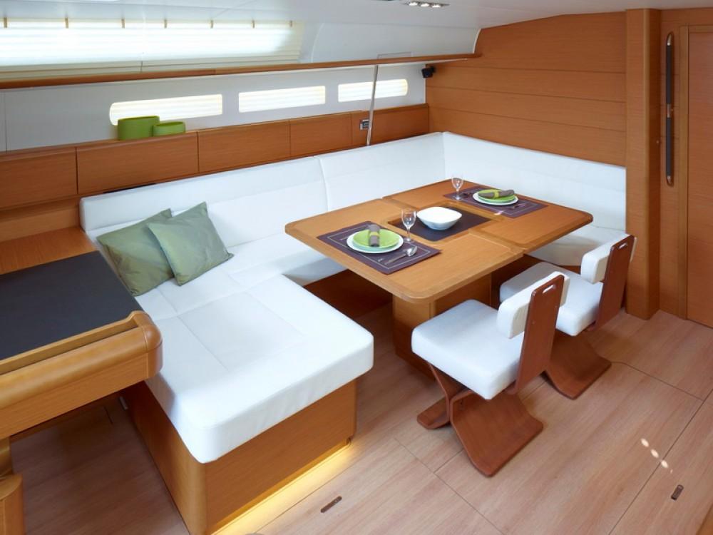 Boat rental Jeanneau Sun Odyssey 509 in Palma de Majorque on Samboat