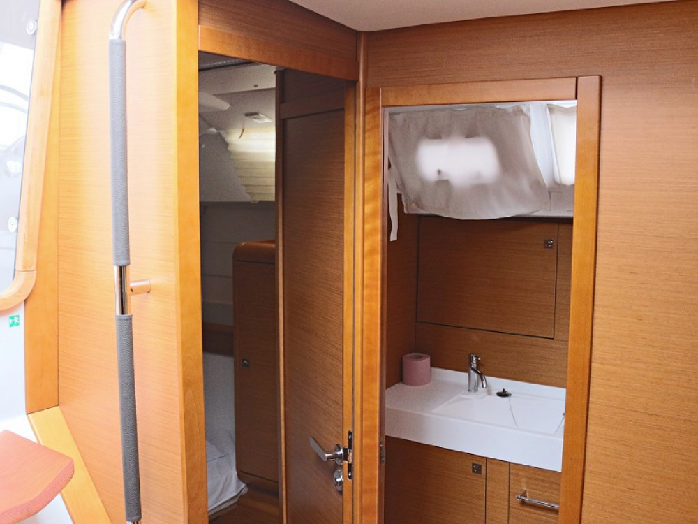 Rental yacht Sukošan - Jeanneau SUN ODYSSEY 509 BT on SamBoat