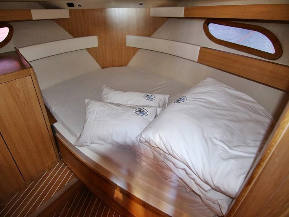 Boat rental Sas Vektor ADRIANA 36 BT (16) in  on Samboat