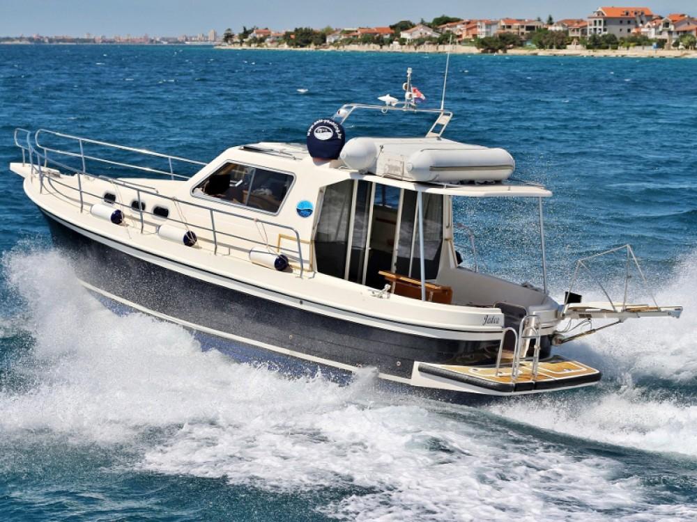 Rent a Sas Vektor ADRIA 1002V BT (14)