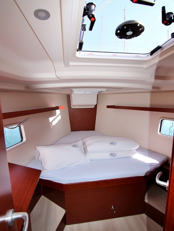 Rental Sailboat in Sukošan - Hanse HANSE 418 BT
