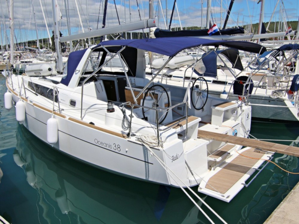 Boat rental Sukošan cheap OCEANIS 38.1 BT