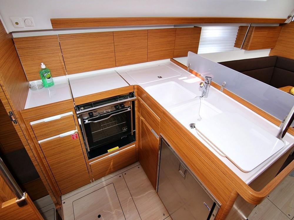 Rental Sailboat in Sukošan - Elan ELAN 40 Impression BT