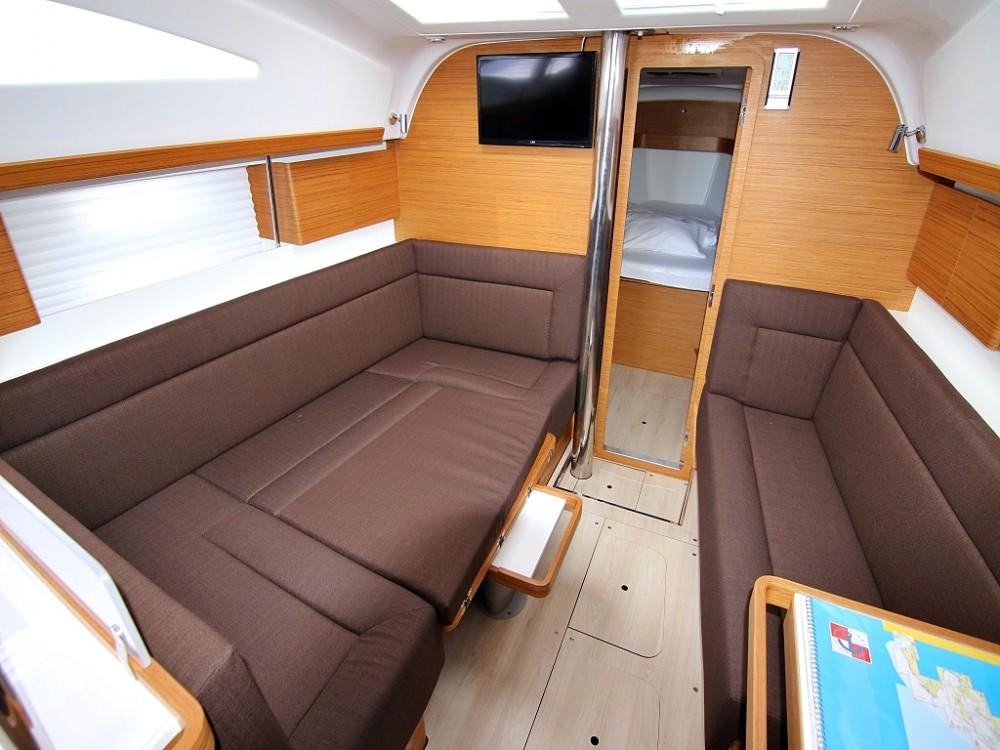 Boat rental Elan ELAN 40 Impression BT in Sukošan on Samboat