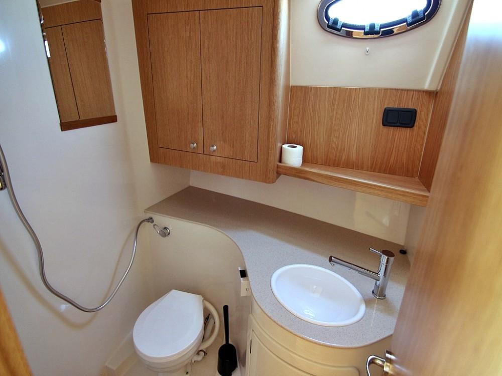 Boat rental Sukošan cheap ADRIANA 44 BT (18)