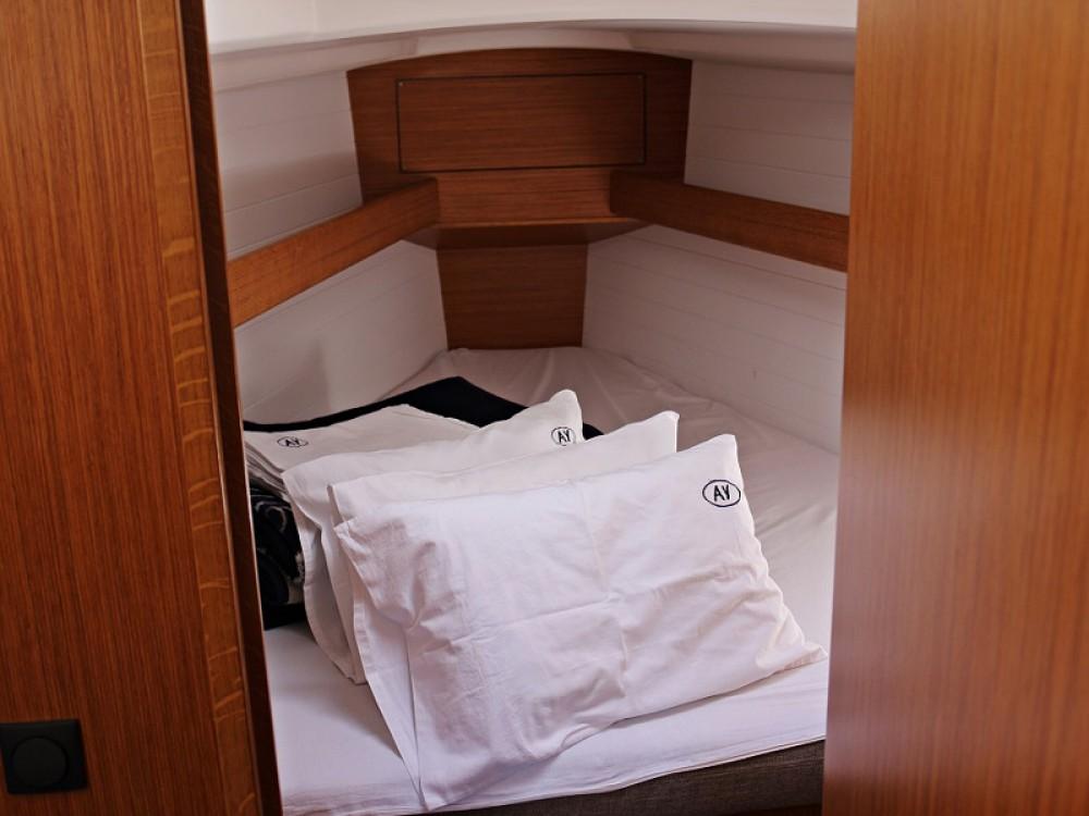 Rental yacht  - Bavaria BAVARIA C 33  on SamBoat
