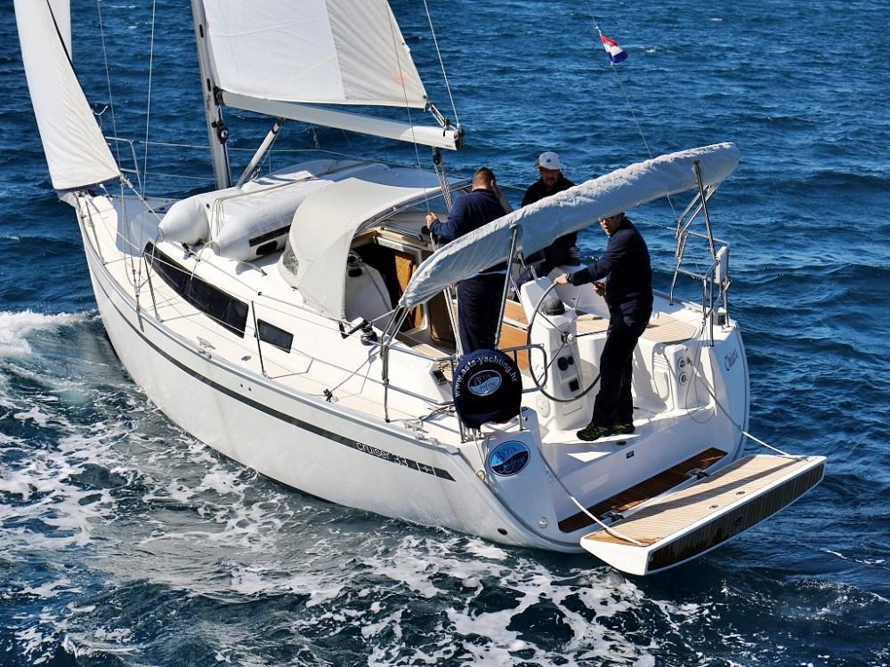 Rental Sailboat in  - Bavaria BAVARIA C 33