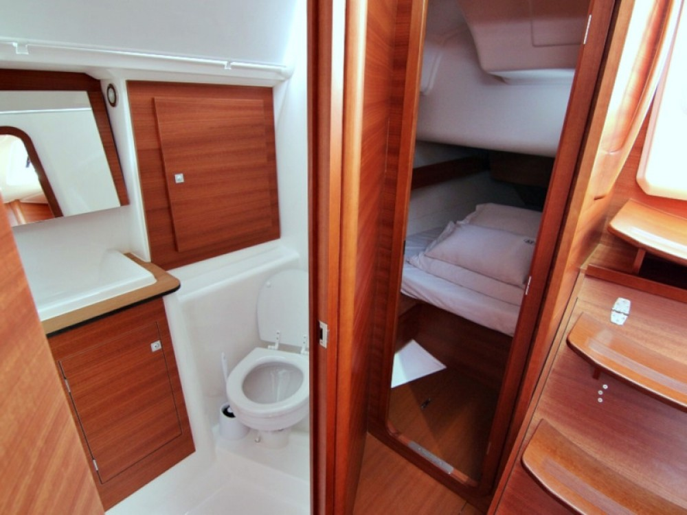 Rental yacht Sukošan - Dufour DUFOUR 382 BT on SamBoat