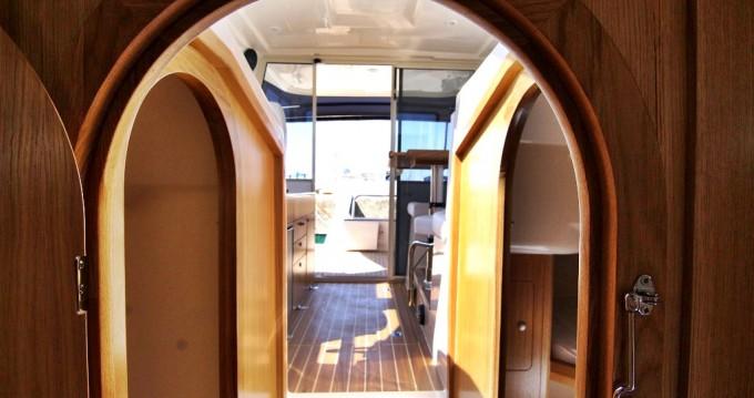 Boat rental Sas Vektor VEKTOR 950 BT (15) in Sukošan on Samboat