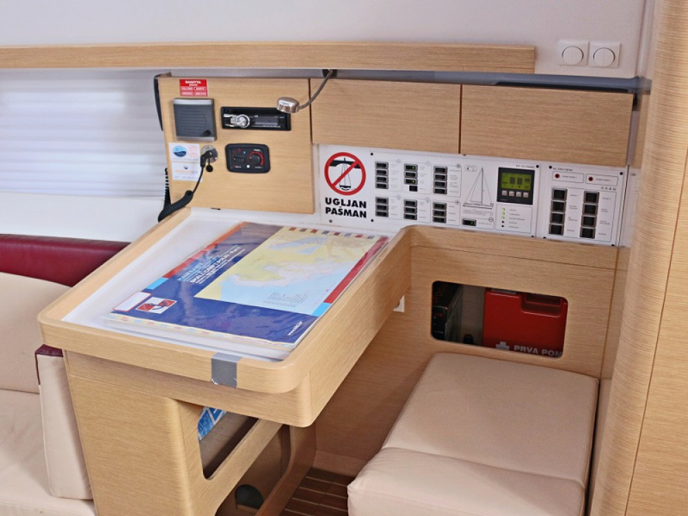 Boat rental Elan ELAN 444 Impression BT in Sukošan on Samboat