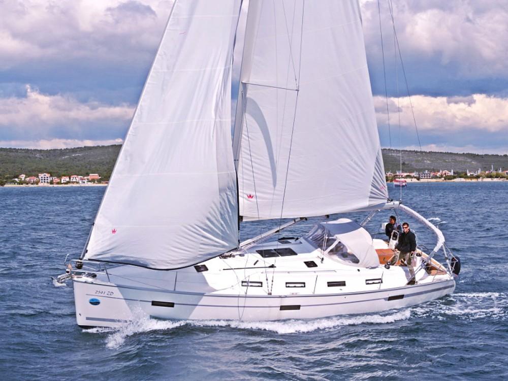 Rental Sailboat in  - Bavaria BAVARIA C 40 BT