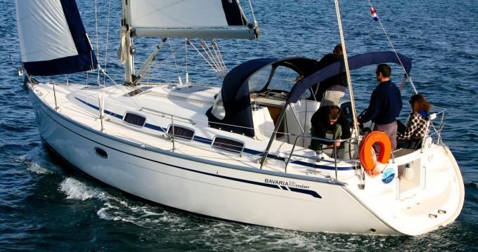 Boat rental Bavaria BAVARIA 33 C  in Sukošan on Samboat