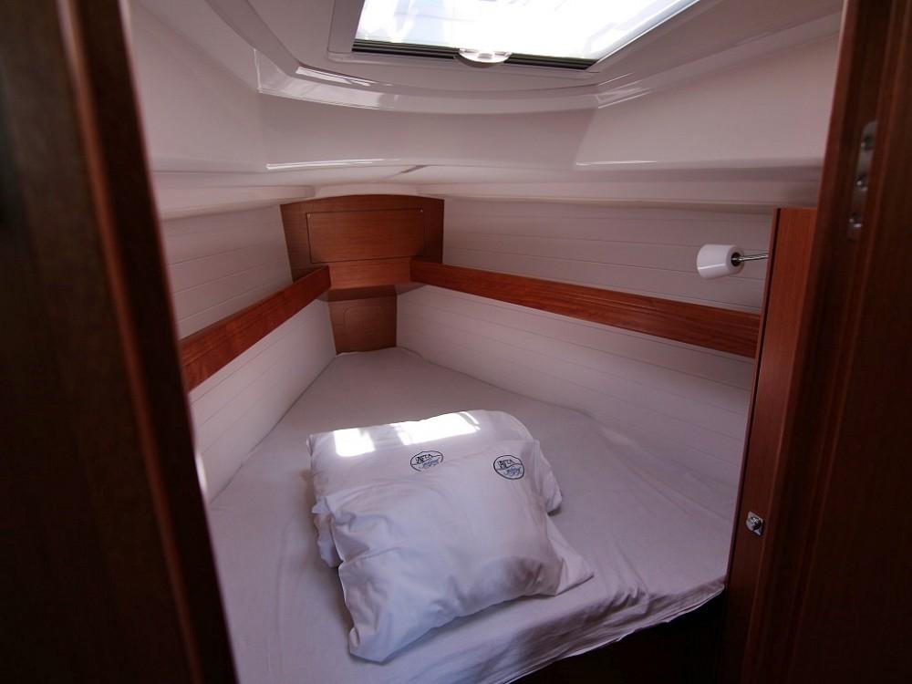 Boat rental Sukošan cheap BAVARIA C 34