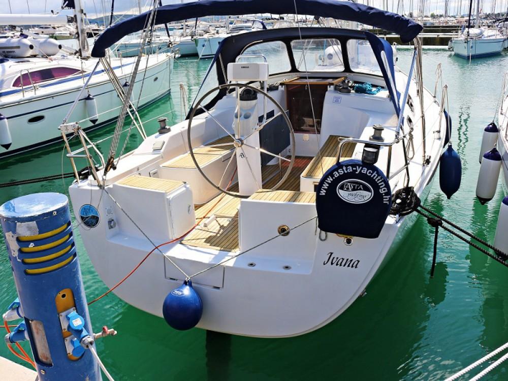 Rental Sailboat in  - Hanse Hanse 350