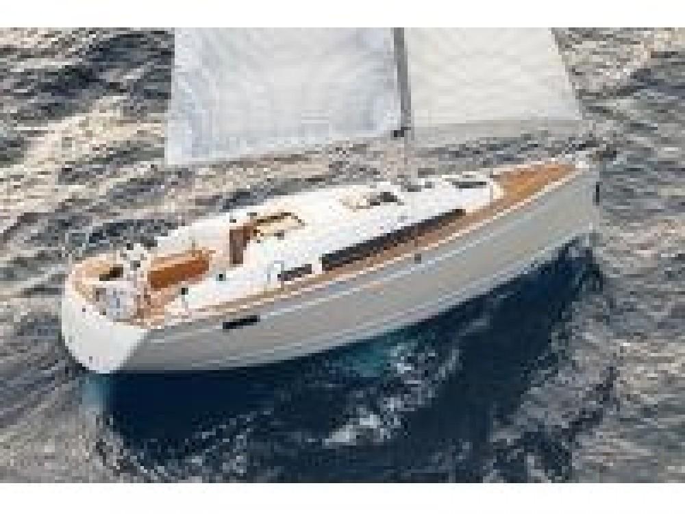 Hire Sailboat with or without skipper Bavaria ACI marina Pomer