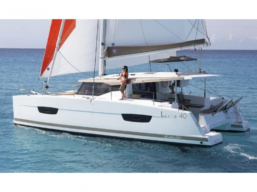 Hire Catamaran with or without skipper Fountaine Pajot ACI marina Pomer