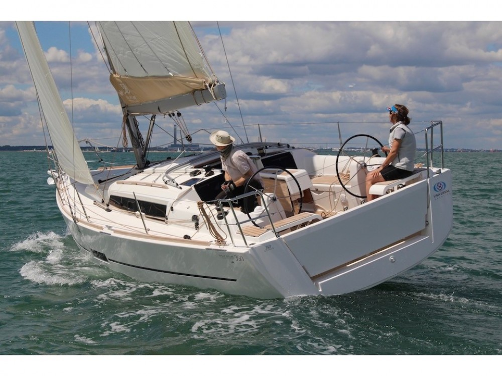 Hire Sailboat with or without skipper Dufour Pomer