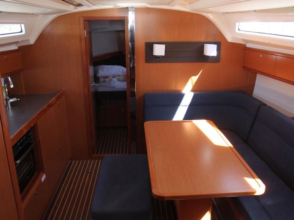 Rental yacht Primošten - Bavaria Bavaria Cruiser 41 on SamBoat