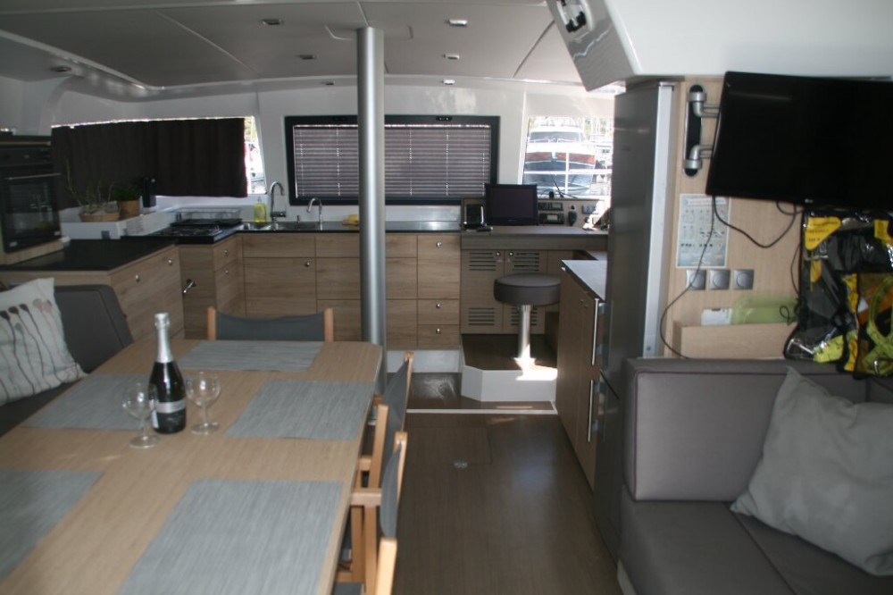 Rental Catamaran in Primošten - Bali Bali 4.0..