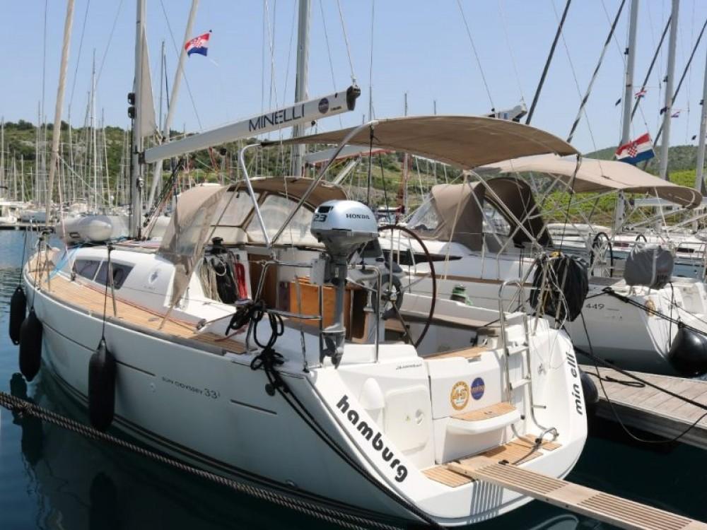 Rental Sailboat in Primošten - Jeanneau Sun Odyssey 33i