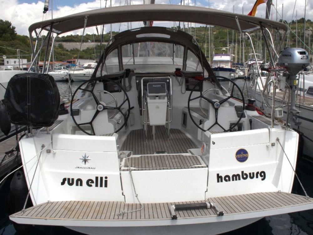 Boat rental Jeanneau Sun Odyssey 389 in Primošten on Samboat