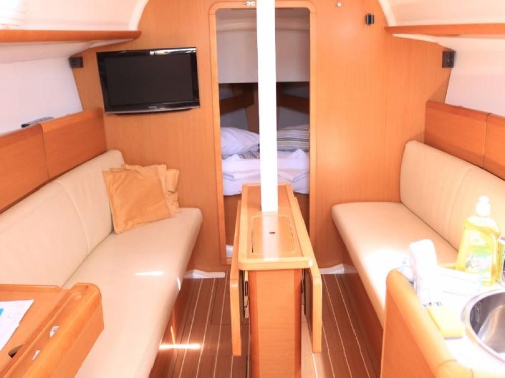 Boat rental Jeanneau Sun Odyssey 33i in Primošten on Samboat