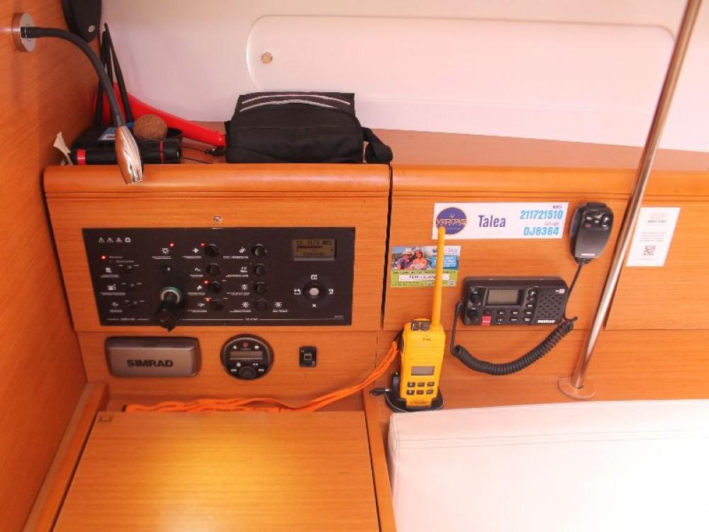 Boat rental Jeanneau Sun Odyssey 379 (3cab) in Primošten on Samboat