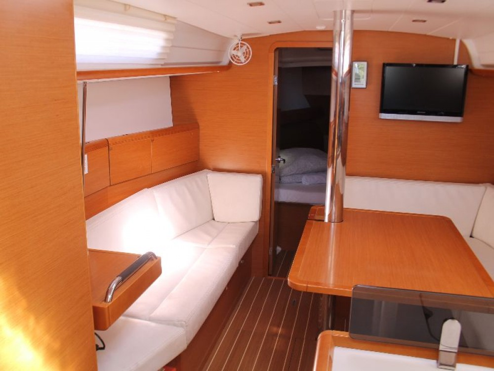 Rental yacht Primošten - Jeanneau Sun Odyssey 379 (3cab) on SamBoat