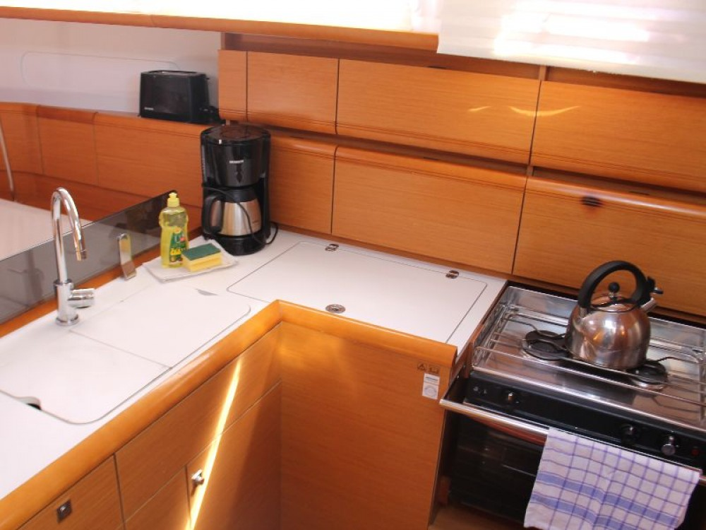 Hire Sailboat with or without skipper Jeanneau Primošten