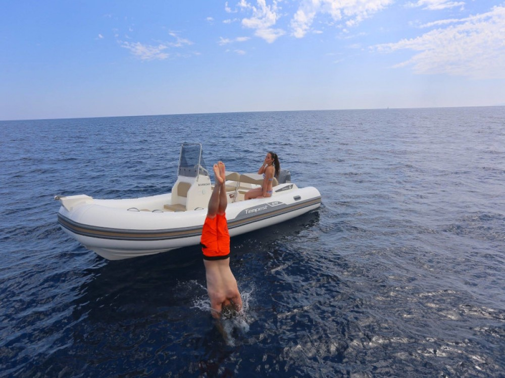 Rental yacht  - Cantiere TEMPEST 570 + Honda 135 on SamBoat