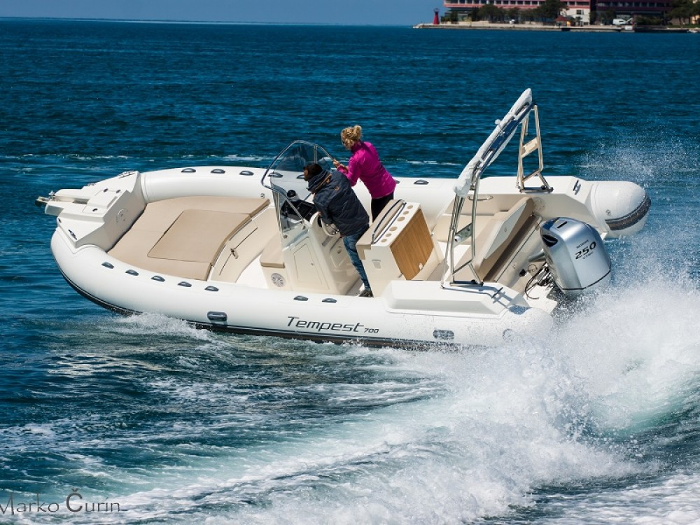 Boat rental Cantiere TEMPEST 700 + Honda 250 in  on Samboat