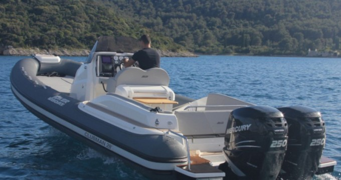 Rental yacht Sukošan -  CLUBMAN 28 + Mercury 2x250 on SamBoat