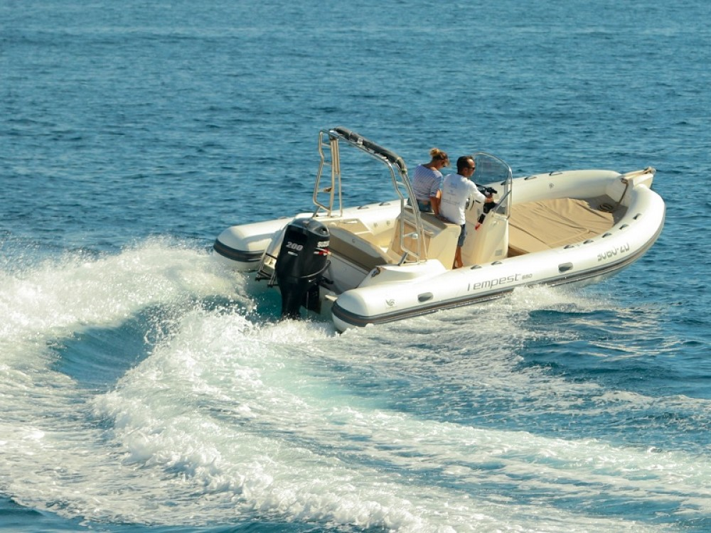 Hire Motorboat with or without skipper Cantiere