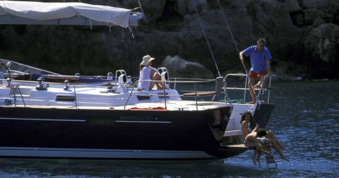 Rental Sailboat in Athens - Bénéteau Beneteau 57
