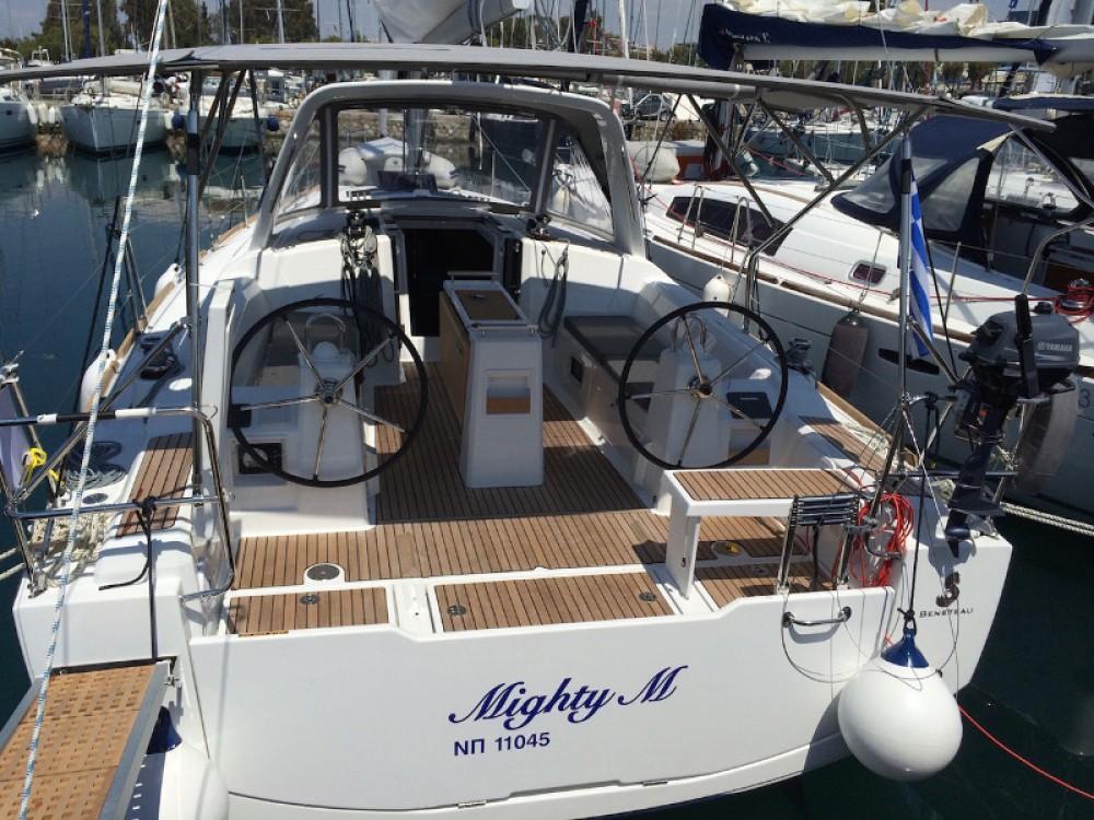 Boat rental Bénéteau Beneteau - Oceanis 38 in Alimos Marina on Samboat