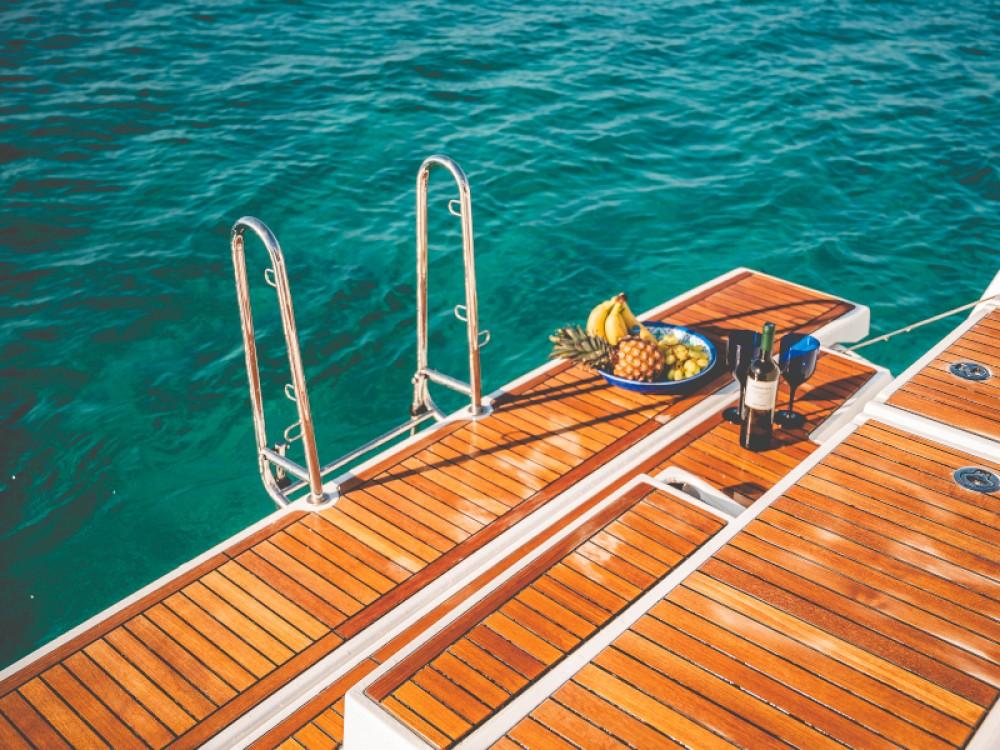 Boat rental Álimos cheap Oceanis 55.1