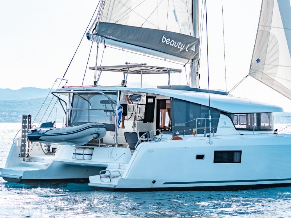 Rental yacht Álimos - Lagoon Lagoon 42 on SamBoat