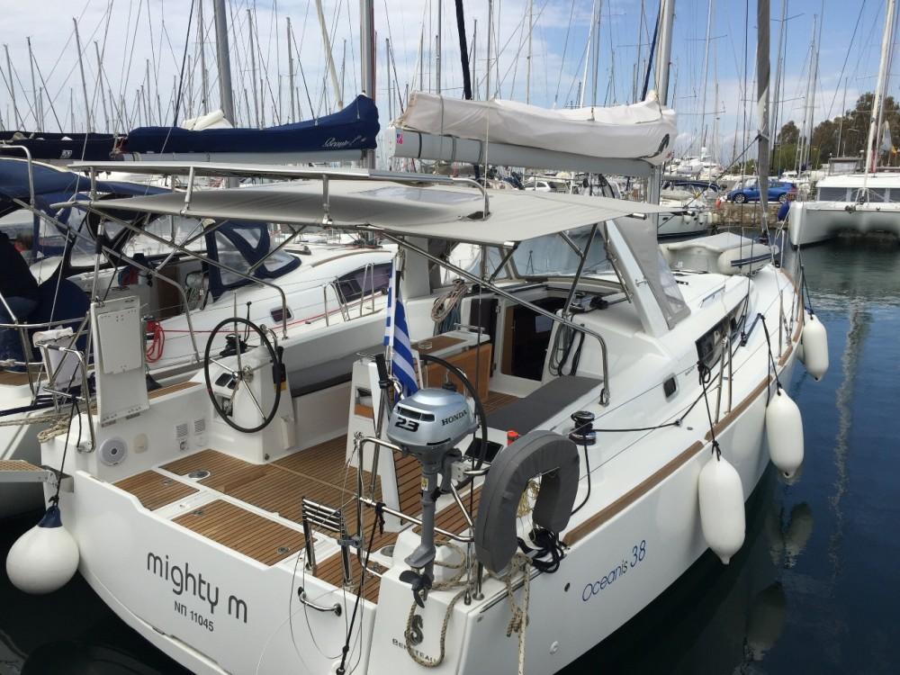 Bénéteau Beneteau - Oceanis 38 between personal and professional Alimos Marina