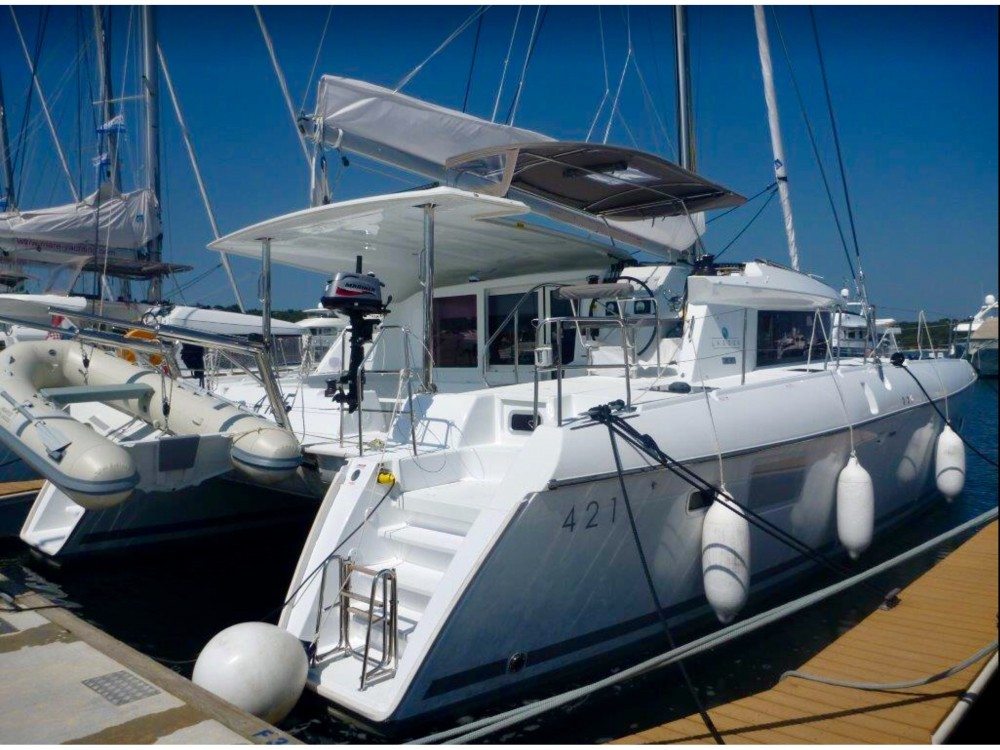 Rental Catamaran in  - Lagoon Lagoon 421