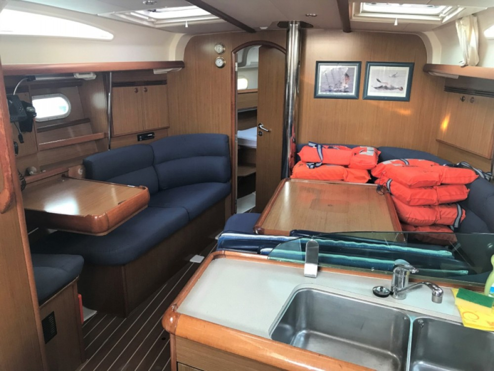 Jeanneau Sun Odyssey 40.3 between personal and professional Pula