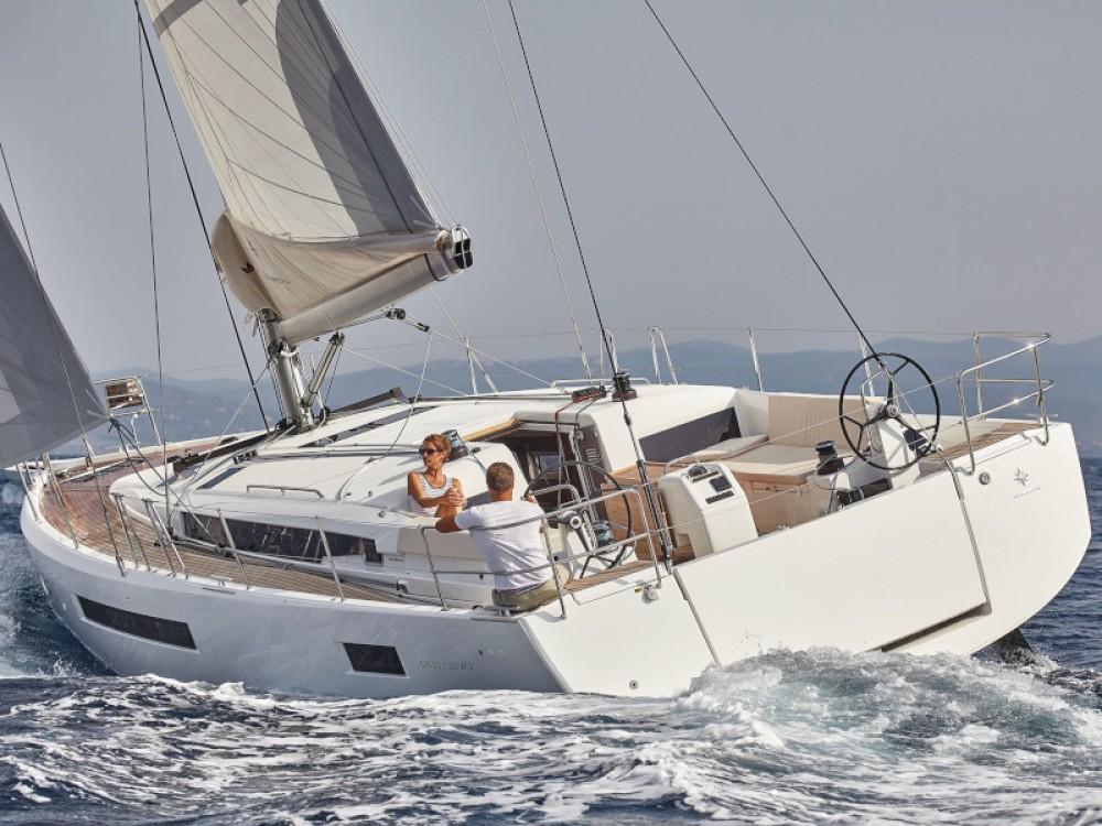 Rental Sailboat in Primošten - Jeanneau Sun Odyssey 490