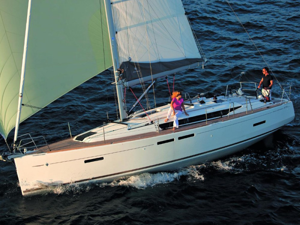 Jeanneau Sun Odyssey 419 between personal and professional Piombino