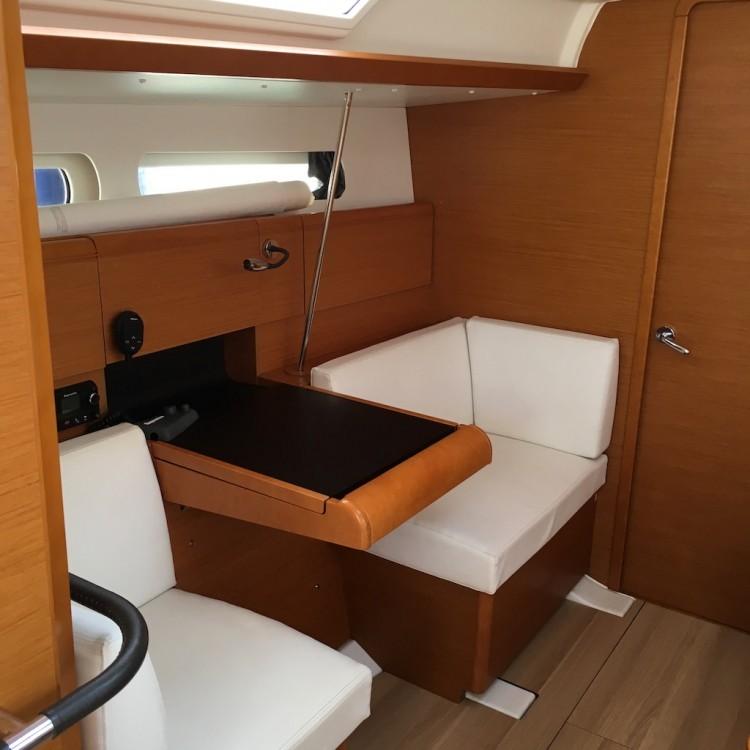 Boat rental Piombino cheap Sun Odyssey 419