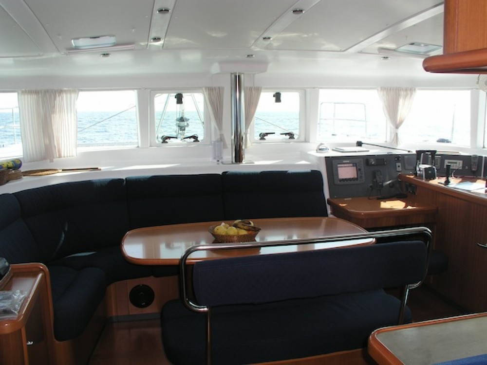 Hire Catamaran with or without skipper Lagoon