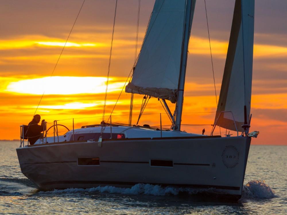 Rental yacht Primošten - Dufour Dufour 382 GL on SamBoat