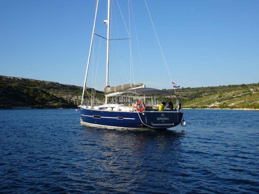Boat rental Dufour Dufour 520 GL(owner version) in Primošten on Samboat
