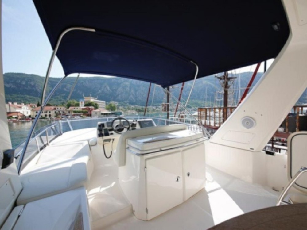 Hire Motor boat with or without skipper Jeanneau Kotor
